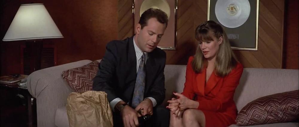 Bruce Willis & Kim Basinger in Blind Date