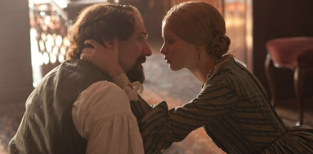Ralph Fiennes & Felicity Jones in The Invisible Woman