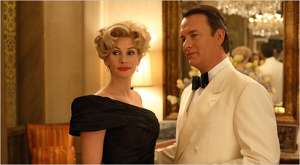 Julia Roberts & Tom Hanks in Charlie Wilson's War