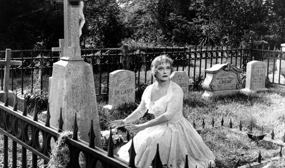 Bette Davis in Hush... Hush, Sweet Charlotte