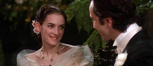 Winona Ryder & Daniel Day-Lewis in The Age of Innocence