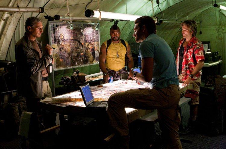 Liam Neeson, Quinton Jackson, Bradley Cooper & Sharlto Copley in The A-Team