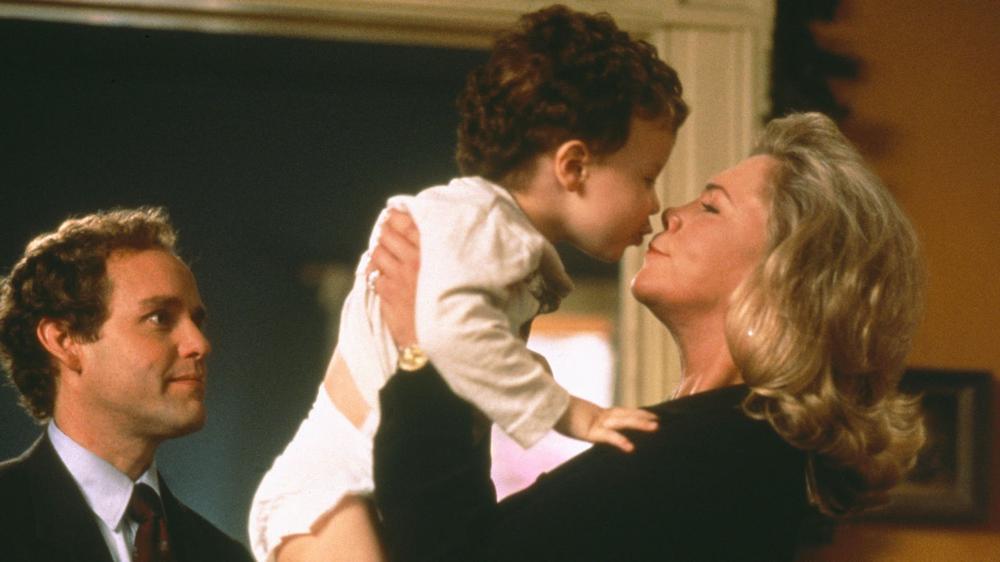 Peter MacNicol & Kathleen Turner in Baby Geniuses