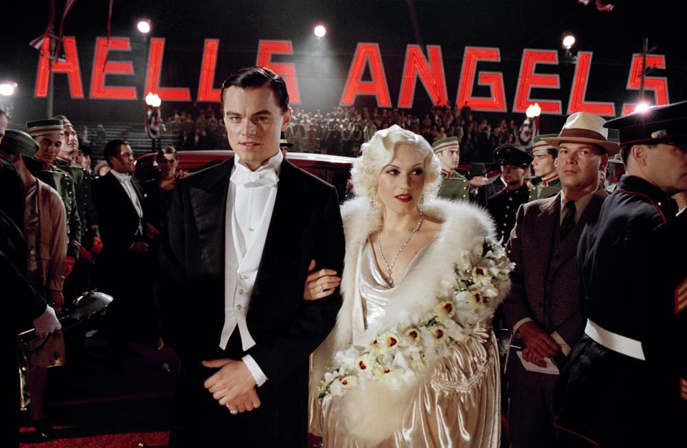 Leonardo DiCaprio & Gwen Stefani in The Aviator