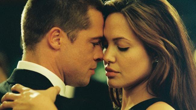 Brad Pitt & Angelina Jolie in Mr & Mrs Smith