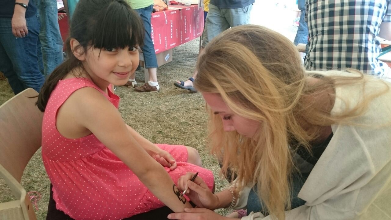 Kinderschminken mit Alicia