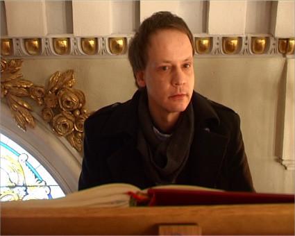 Lars-Oliver  Former an der Orgel