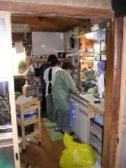 檀家さんたちによる精進料理の準備
