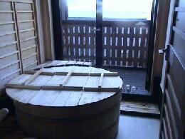 各部屋のお風呂から海が臨めます。