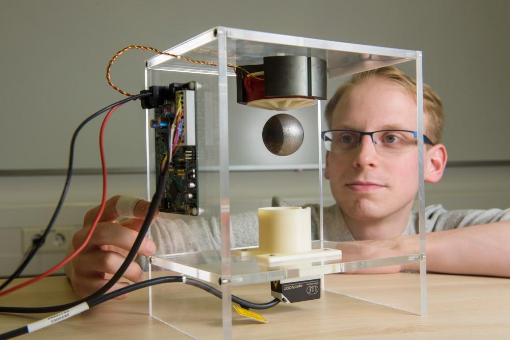 Sensorloses Verfahren steuert Ventile und Schließvorrichtungen sensibel nur mit Strom (UdS, Lehrstuhl Antriebstechnik, Foto: Oliver Dietze)