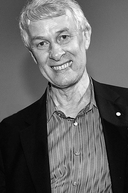 SIR RICHARD J. ROBERTS.  Nobel Prize in Physiology or Medicine  (1993).  CONCIENCIA 2011.                                                                                                      http://www.usc.es/es/cursos/conciencia/
