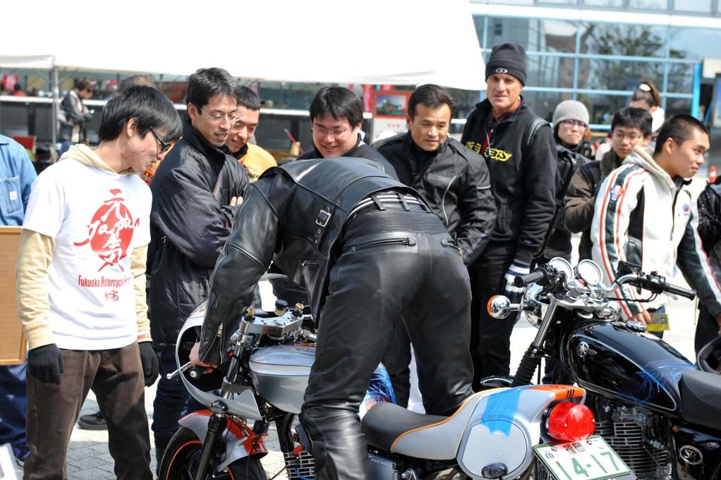 タッチバイクコーナーは、エンジンを掛けて体験してもらいます。
