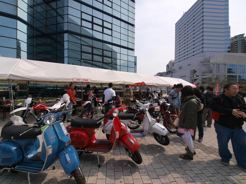 カラフルなLML。小さいバイクも人気です!