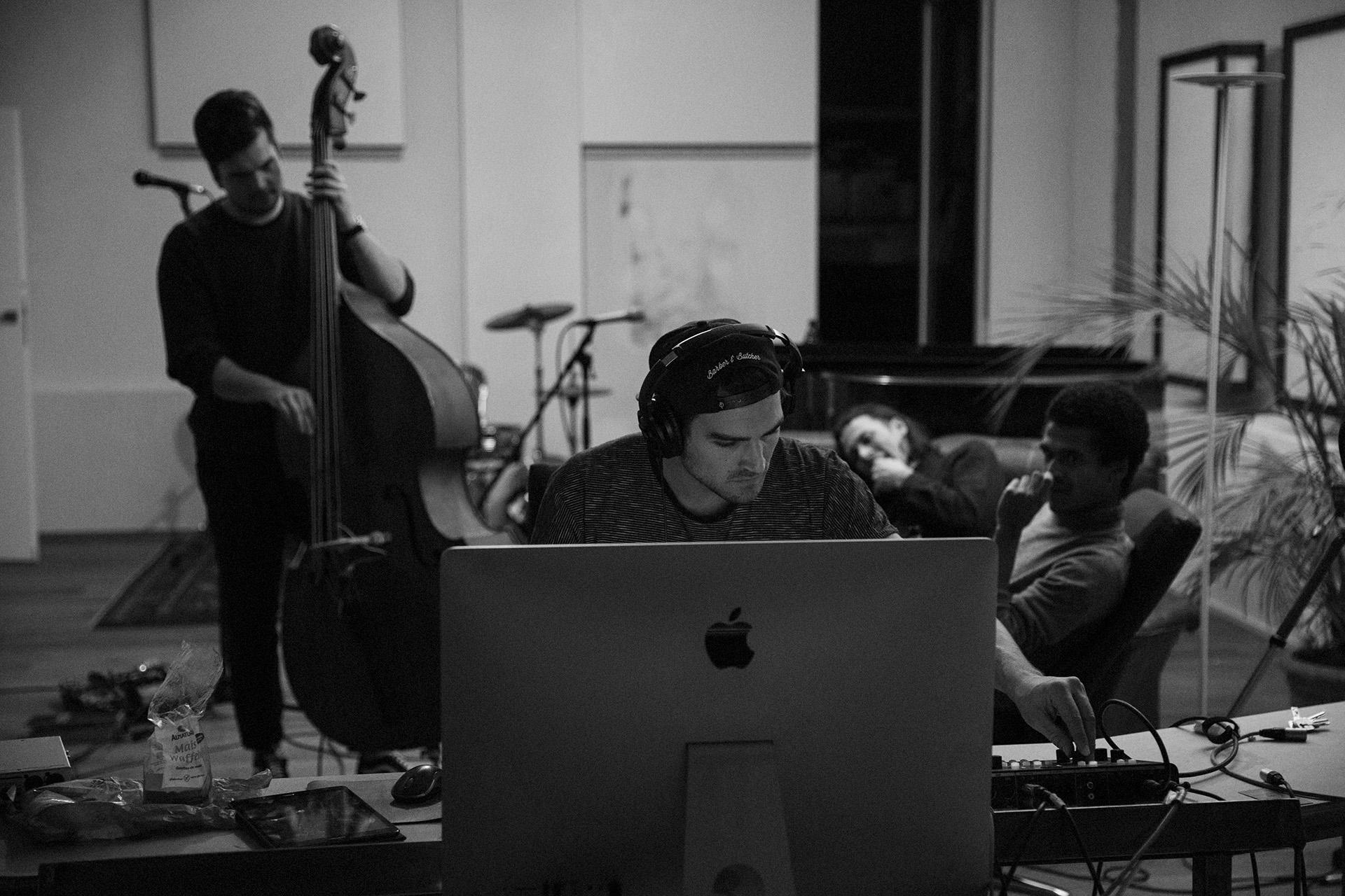Studio w/ Noah Kwaku, Tonfall Musikproduktion © Jean & Claude