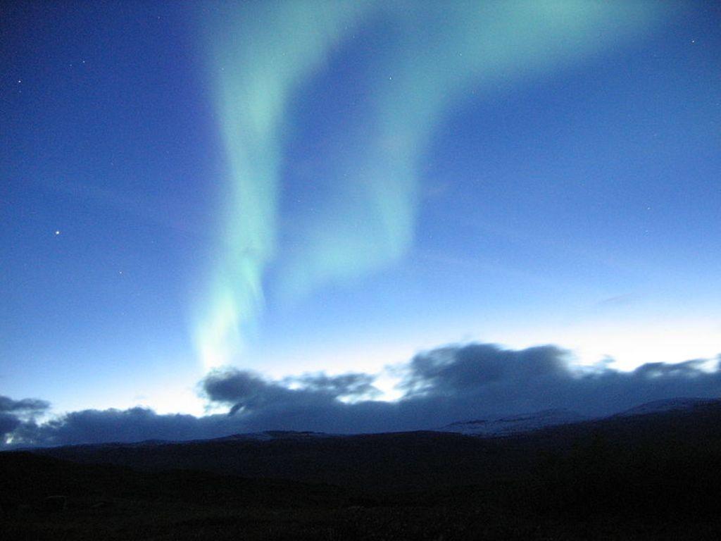 Aurora polar vista na Suécia.