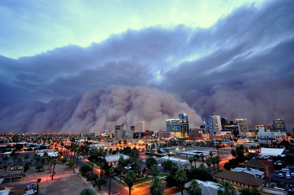 Tempestade de areia associada à Cumulonimbus vista no Arizona, EUA, em 05/07/2011. Foto de Daniel Bryant.