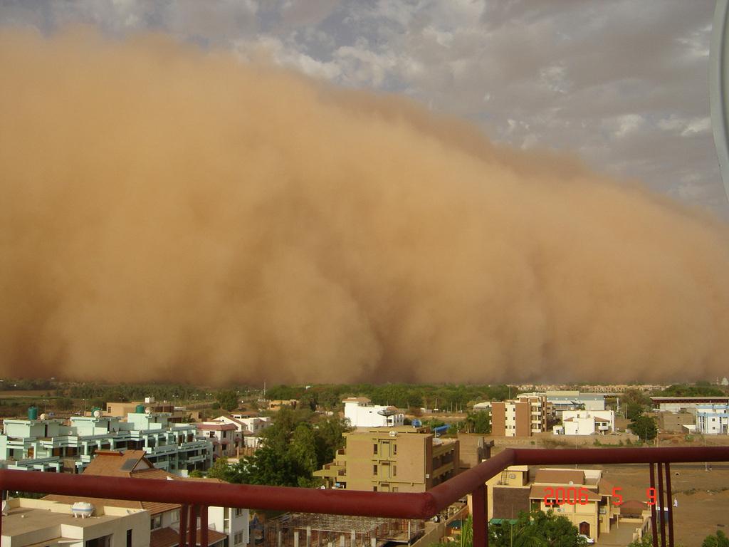 Tempestade de areia no Sudão, em 09/05/2006. Foto de Dijana Kostovic-Vlahovic.