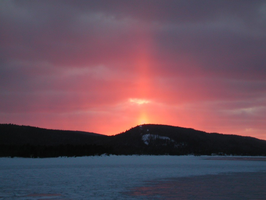 Pilar solar visto em Copper Harbor, Michigan, EUA, em 05/03/2011.