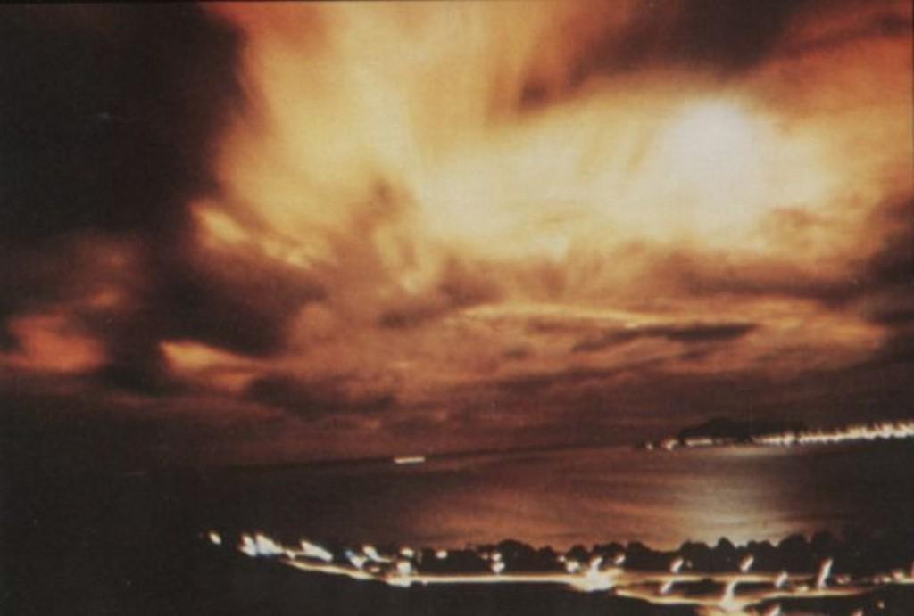 Aurora artificial criada pelo teste nuclear Starfish Prime, em 09/07/1962.