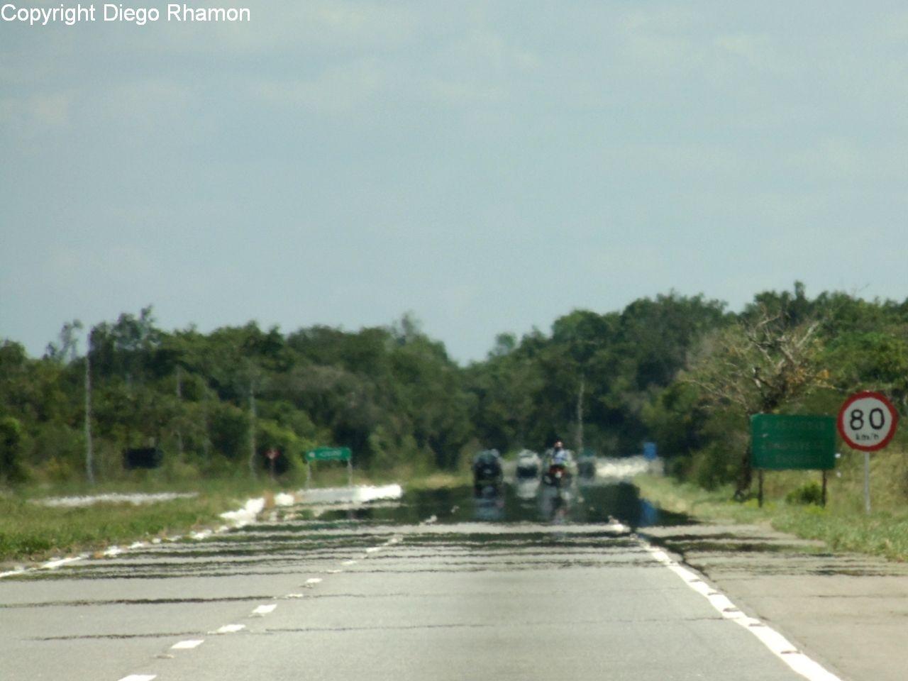 Miragem vista em Santa Rita, Paraíba, em 19/04/2014.