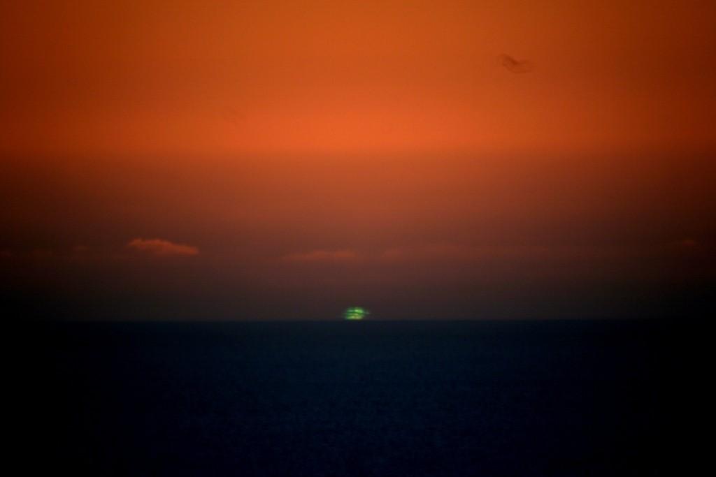 Brilho verde visto em São Francisco, Califórnia, EUA, em 29/12/2006. Foto de Mila Zinkova.