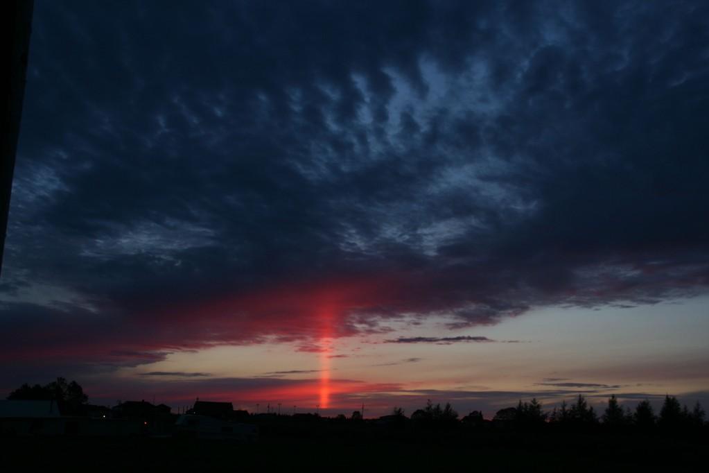 Pilar solar visto em Ontario, Canadá, em 18/08/2011. Foto de Rick Stankiewicz.