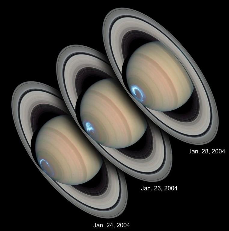 Aurora polar vista em Saturno pelo telescópio Hubble em 24, 26 e 28/01/2004. Fotos de J. Clarke.