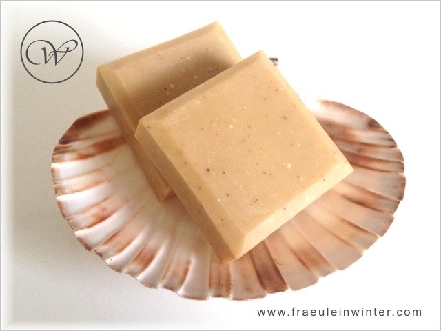 Mandel & Mandelmilch - handmade soap by Fräulein Winter
