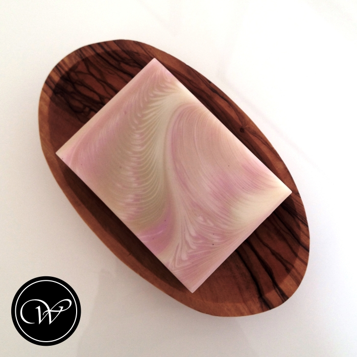 Zigzag Cosmic Wave soap technique (Soap by Fraeulein Winter)