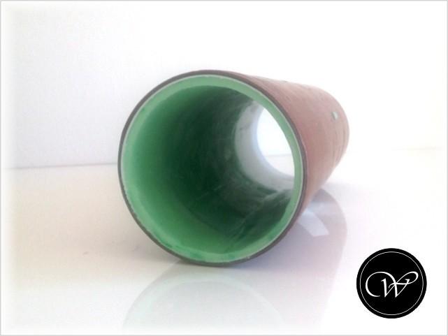 CP-Hülle: Am nächsten Tag Seifenplatte passend zuschneiden. Rolle formen und in das Rohr schieben.