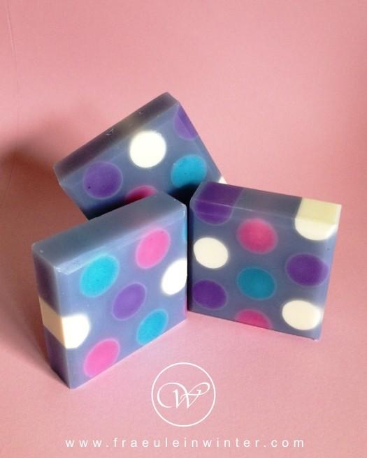 """Bunt getupft"" - handmade cold process soap"