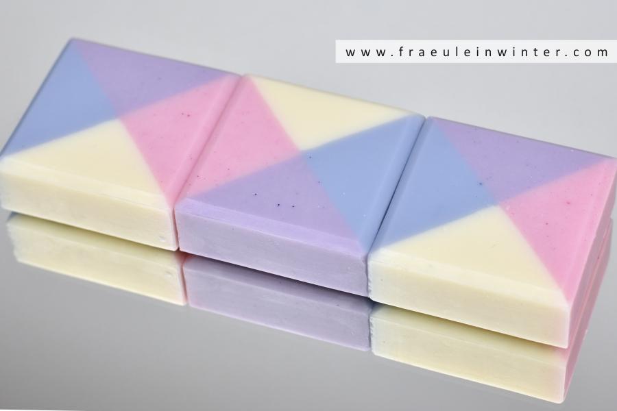 Geometrische Seife - natürlich handgemacht | Handmade Cold Process Soap by Fraeulein Winter