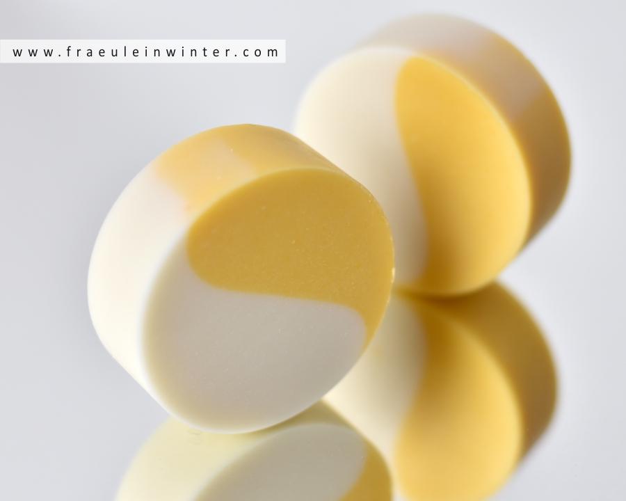 Pflegende Seife mit einem Duft nach frischen Mangos | Design Soap by Fräulein Winter