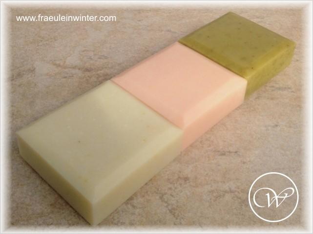 """""""Natürlich chic"""" - Rose, Kamille und Avocado - handmade soap"""