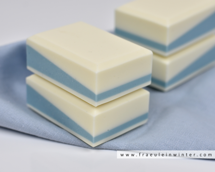 Pflegende Seife in geradlinigem Design | Design Soap by Fräulein Winter
