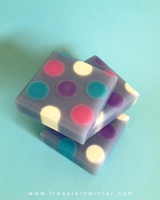 """""""Bunte Punkte"""" - """"Dots"""" - cold process soap"""