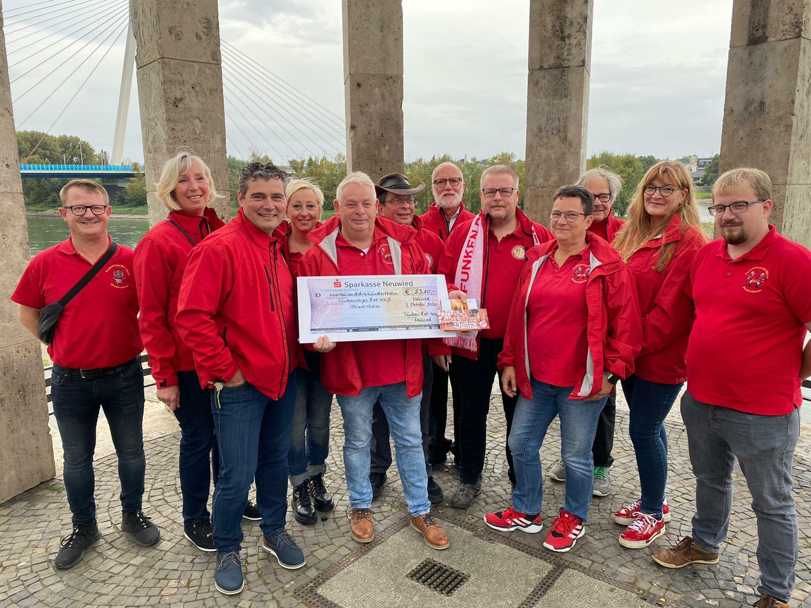 Spendenübergabe an Fanfarencorps Heimersheim