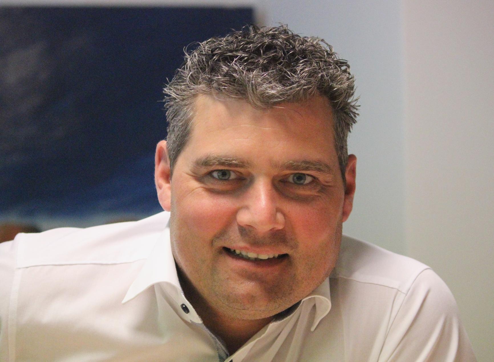 Andreas Holz, Geschäftsführer, geschaeftsfuehrer@funkenrotweiss-nwd.de