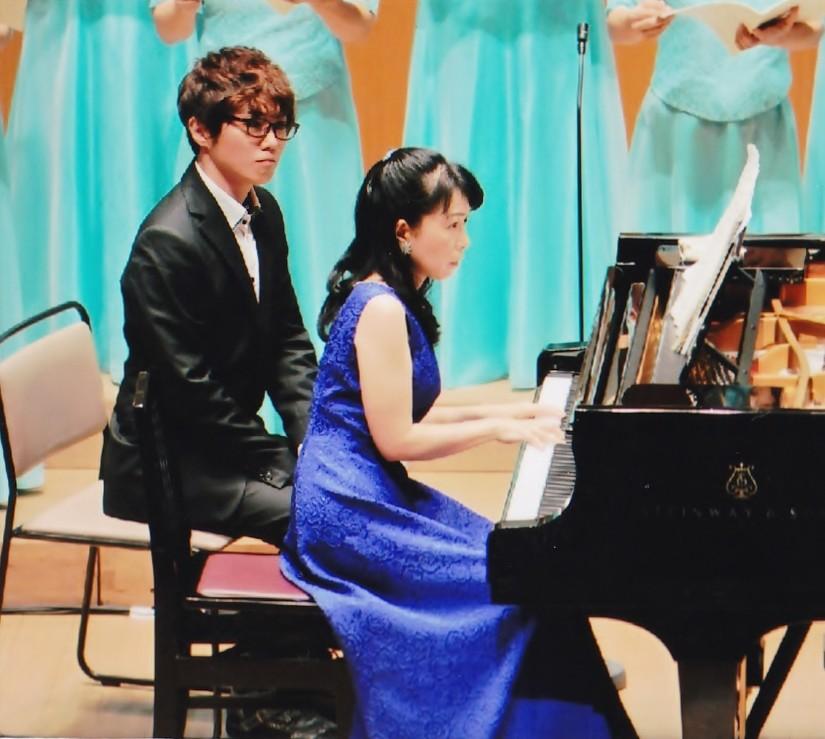 ピアノ 河本充代先生と譜めくり 栗原寛さん