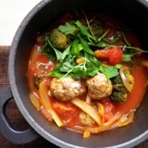 イワシ団子のトマト鍋