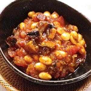 うなぎと大豆のトマト煮チリコンカルネ風