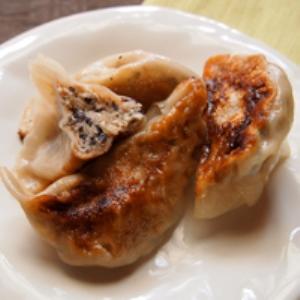 大豆とひじきの焼き餃子