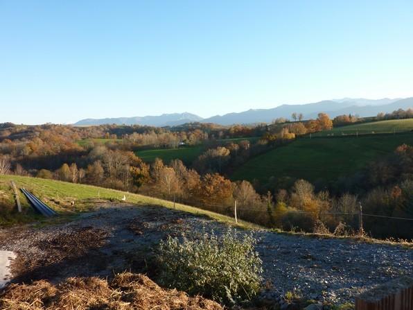 Magnifique vue et exposition sur ce balcon des Pyrénées.