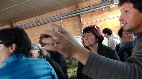 Didier Esturonne s'occupe plus particulièrement des animaux et de la production de fromage pur brebis