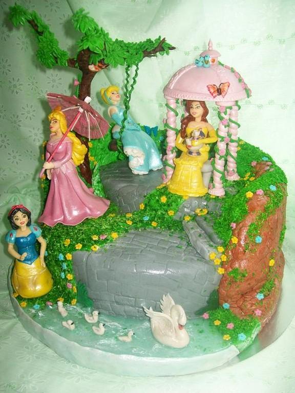 """Торт """"Принцессы в саду"""""""