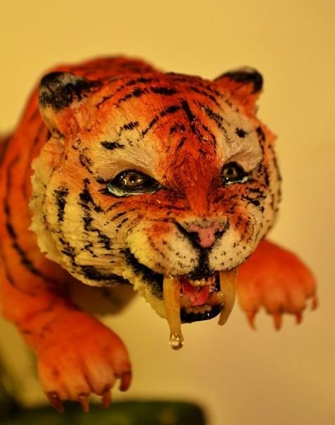 Саблезубый тигр (реалистичная лепка животных) Sugar art miniature sculpture