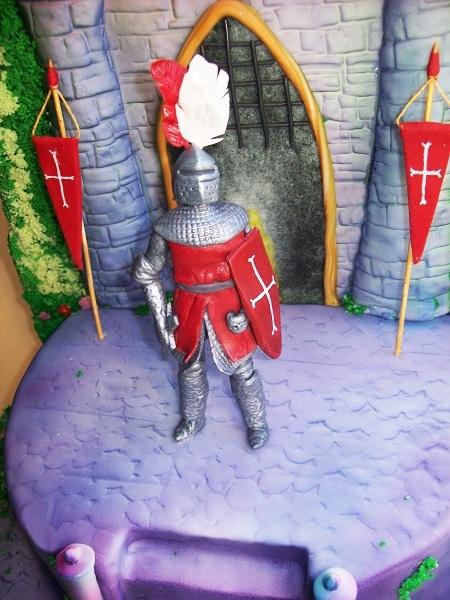 """Торт """"Замок для рыцаря"""""""