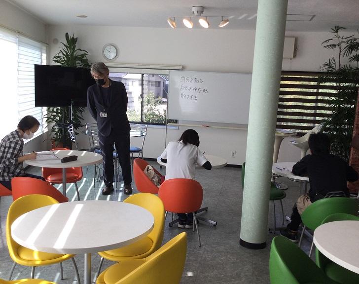 HBカフェは解放感あふれる教室
