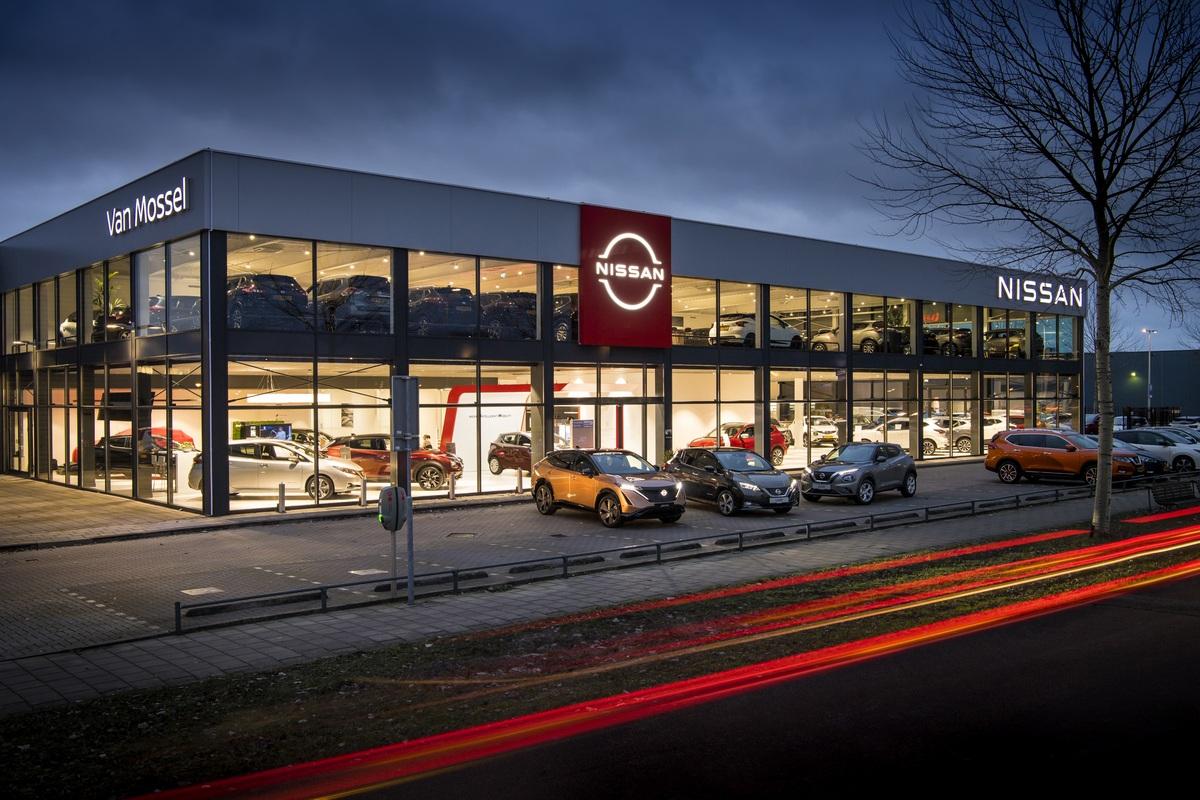 Nissan déploie son nouveau logo dans les concessions en Europe