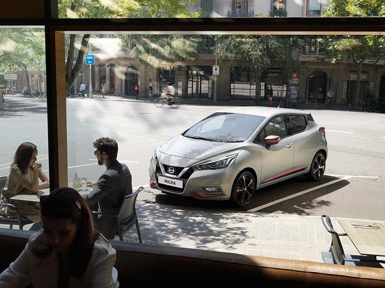 Nissan Micra gris satiné
